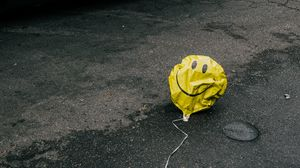 Preview wallpaper air balloon, smile, sad, road, asphalt, cars