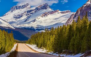Preview wallpaper alberta, canada, banff national park, mountain, road, distance, snow