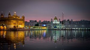 Preview wallpaper amritsar, india, punjab, city, evening, temple, harmandir sahib, water, reflection