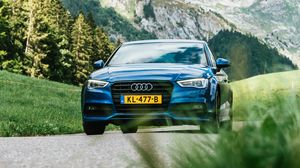 Preview wallpaper audi q7, audi, motion, blur