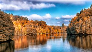 Preview wallpaper autumn, lake, trees, reflection