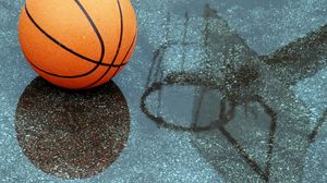 Preview wallpaper basketball, pool, reflection