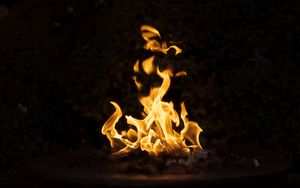 Preview wallpaper bonfire, fire, dark, flame, burning