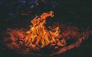 Preview wallpaper bonfire, fire, firewood, flame