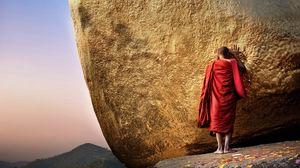 Preview wallpaper buddha, chayttiyo pagoda, golden hill, monk, burma, myanmar