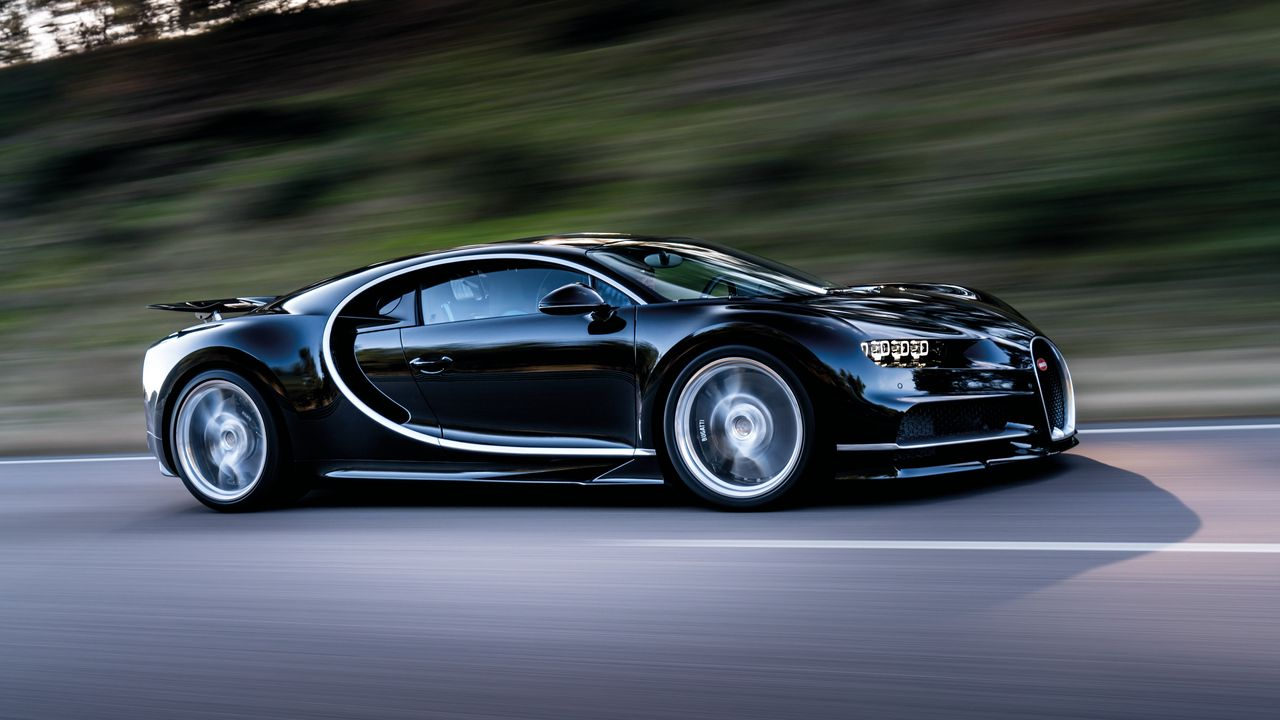 1280x720 Wallpaper bugatti, chiron, speed, side view
