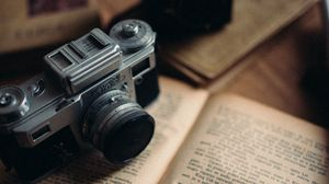 Preview wallpaper camera, book, old, retro, vintage