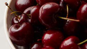 Preview wallpaper cherries, berries, red, ripe