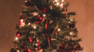 Preview wallpaper christmas tree, decorations, garlands, christmas, new year, holiday