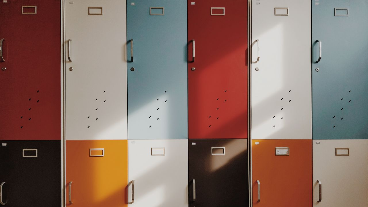 1280x720 Wallpaper doors, lockers, retro, multicolored