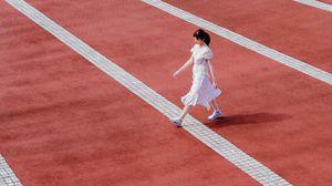 Preview wallpaper girl, markup, walk, minimalism