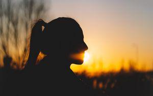 Preview wallpaper girl, silhouette, dark, sunset