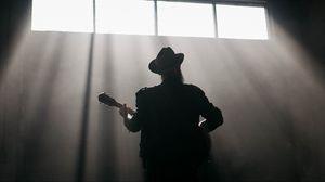 Preview wallpaper guitarist, guitar, musician, musical instrument, rays