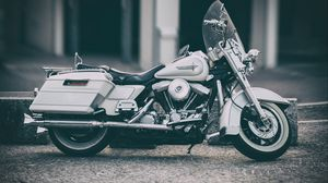Preview wallpaper harley-davidson, motorcycle, bike, side view, wheel