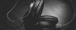 Preview wallpaper headphones, bw, headset