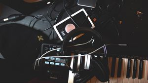 Preview wallpaper headphones, synthesizer, wires, music