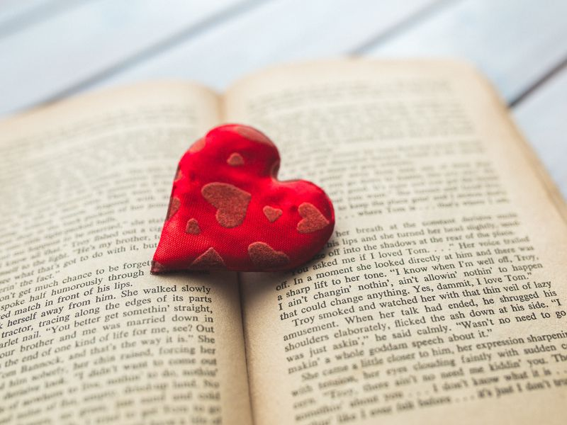 800x600 Wallpaper heart, book, love