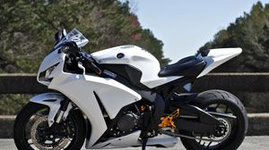 Preview wallpaper honda, cbr1000rr, white, bike, side view