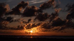 Preview wallpaper horizon, sunset, clouds, twilight, san pedro, belize