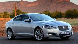Preview wallpaper jaguar, xf, serbristy, cars, side view