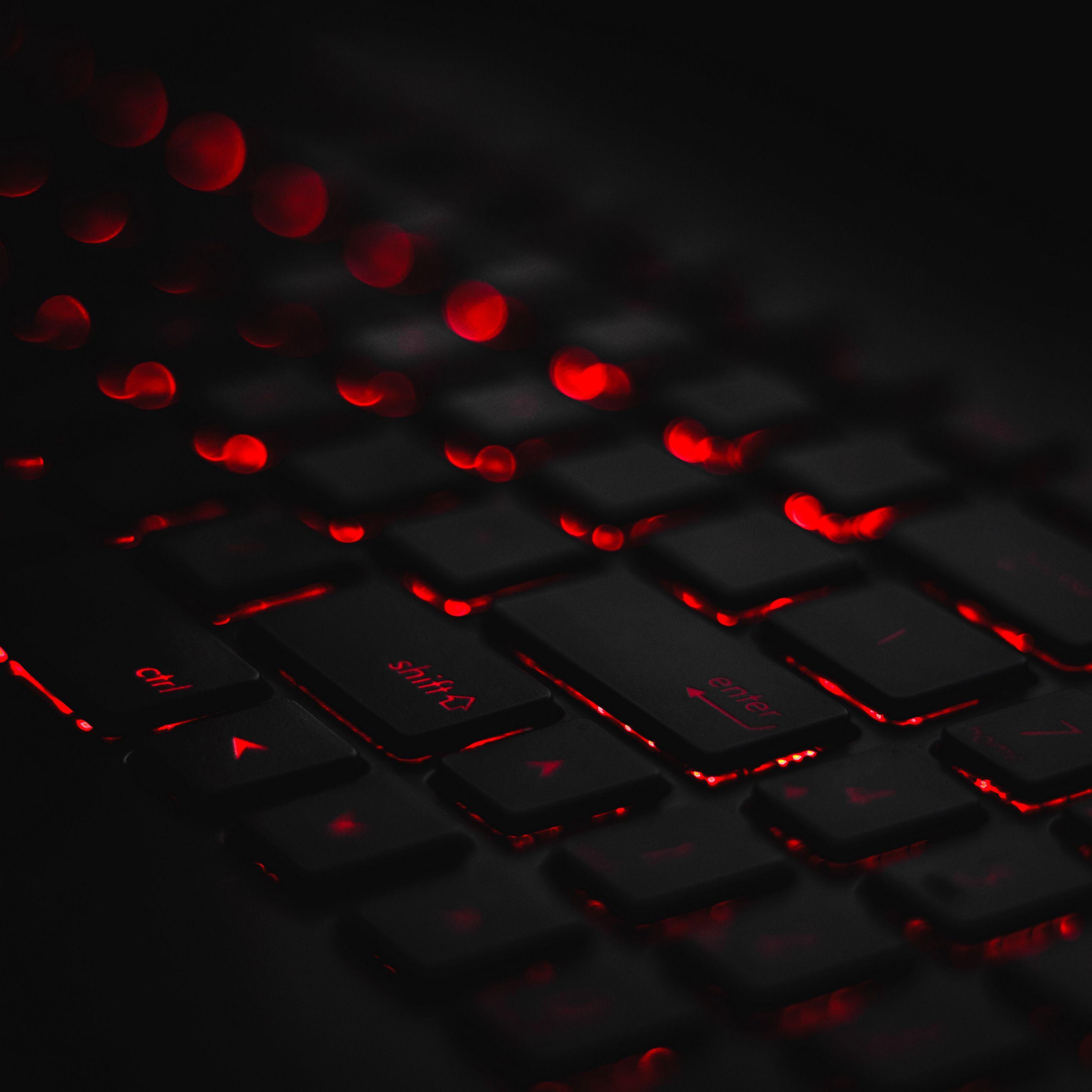 2780x2780 Wallpaper keyboard, backlight, red, glare, bokeh