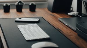 Preview wallpaper keyboard, telephone, desktop, technology