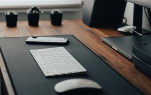 Preview wallpaper keyboard, telephone, desktop, technology