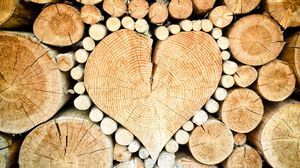 Preview wallpaper logs, heart, wood