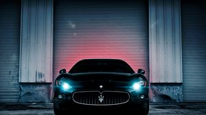 Preview wallpaper maserati, lights, wall, car