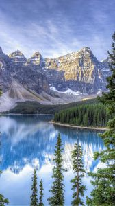 Preview wallpaper moraine lake, alberta, canada, hdr