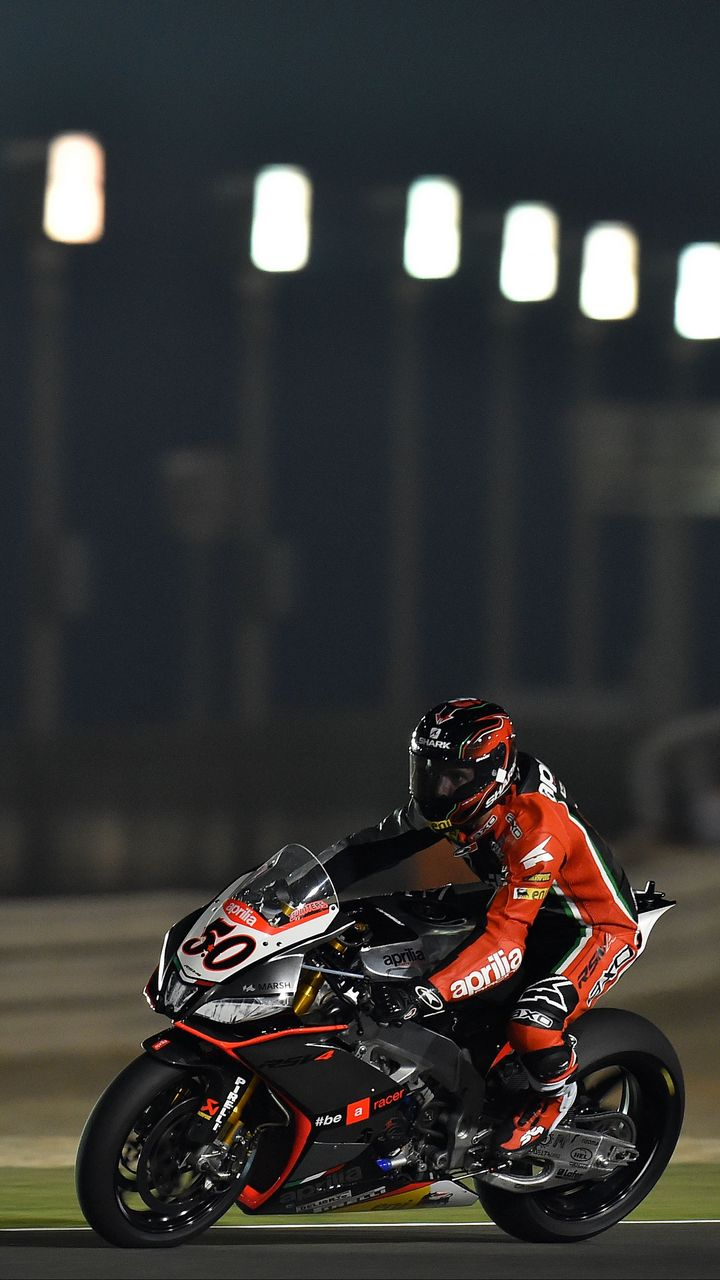 720x1280 Wallpaper motorcyclist, speed, race, competition, extreme
