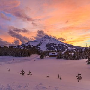 Preview wallpaper mountain, snow, winter, sunset, montana