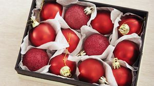 Preview wallpaper new year, christmas, spheres, red, box, matte, spangles