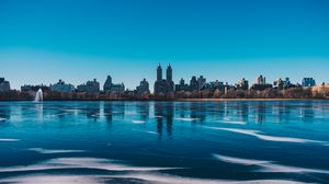 Preview wallpaper new york, usa, city, panorama, river, ice, shore