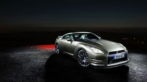 Preview wallpaper nissan, gt-r, side view, night