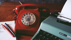 Preview wallpaper phone, retro, vintage, red