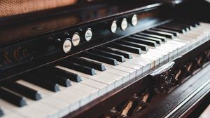 Preview wallpaper piano, keys, musical instrument, room