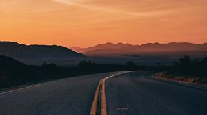 Preview wallpaper road, turn, horizon, sunset, marking, asphalt