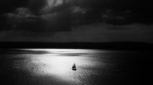 Preview wallpaper sail, lonely, night, bw