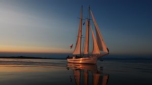 Preview wallpaper sea, evening, yacht, reflections, sunset sail, vacation