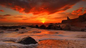 Preview wallpaper sea, waves, rocks, beach, sunrise