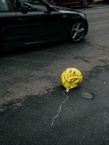 Preview wallpaper air balloon, smile, sad, road, asphalt, cars
