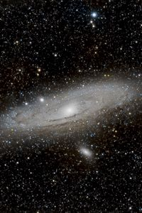 Preview wallpaper andromeda galaxy, galaxy, glow, stars, space