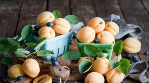 Preview wallpaper apricots, blueberries, dishes, fruit