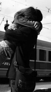 Preview wallpaper arms, couple, meeting, waiting, train