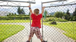 Preview wallpaper baby, boy, gates, game