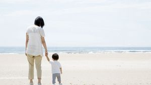Preview wallpaper baby, mother, walking, beach