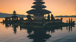 Preview wallpaper bali, temple, tower, water