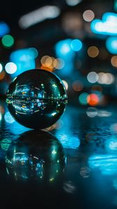 Preview wallpaper ball, reflection, glare, glass