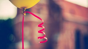 Preview wallpaper ball, ribbon, blur, glare